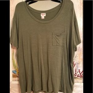 Mossimo Front pocket tee